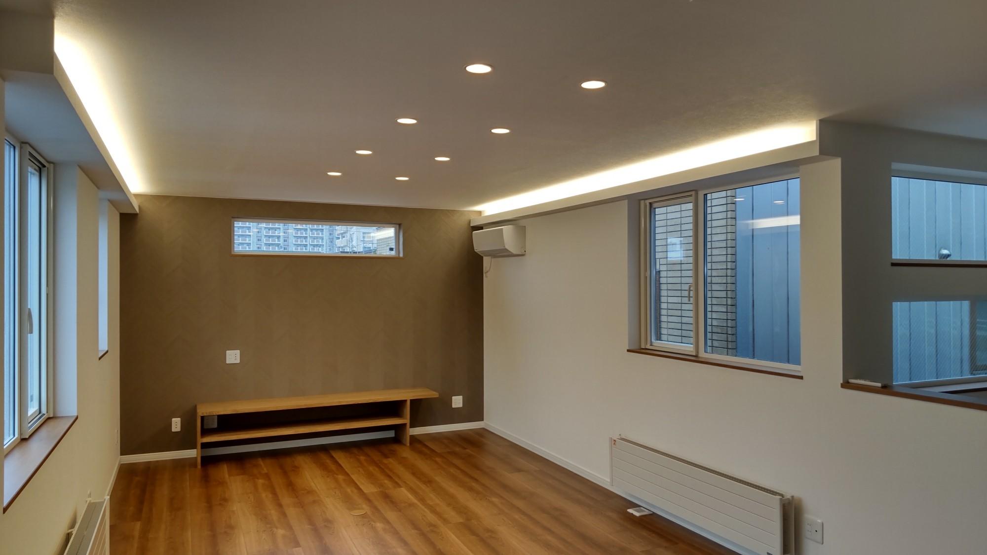 坂下ハウスの施工例 - 2階が広々LDKの家